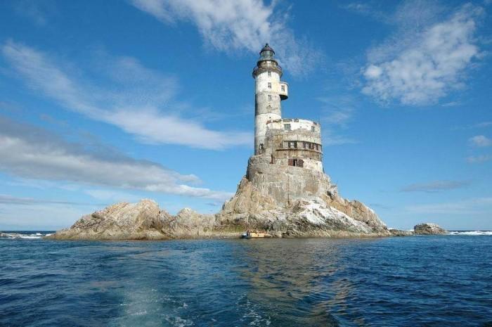 faro aniva rusia russia nuclear lighthouse